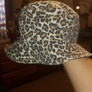 Cheetah print bucket hat